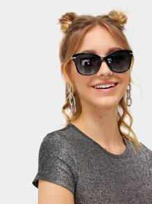 Flat Lens Metallic Arms Sunglasses