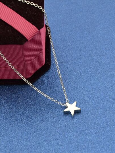 Silver Model Metal Star Pendant Necklace
