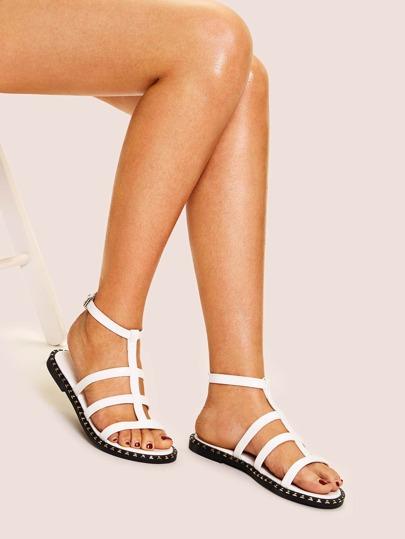 6433e2c85de38 Cut-out Decorated Flat Sandals