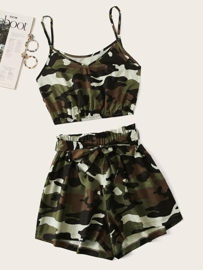 47dc8179f13 Crop Top à fines brides avec imprimé camouflage   Short