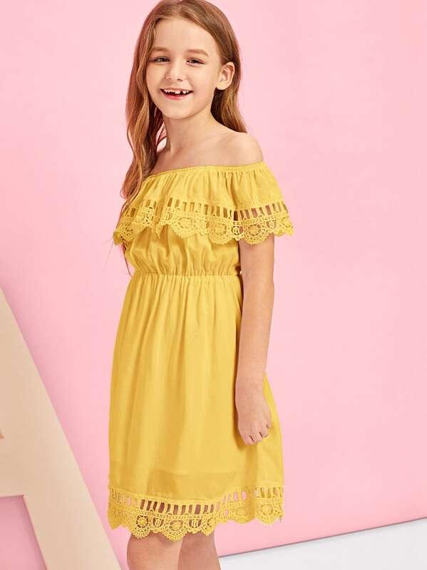 07f93167dd Girls Lace Detail Ruffle Trim Off Shoulder Dress | SHEIN