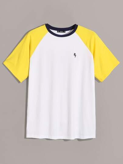 46bc68606eb ... T-shirt avec manches raglan et blocs de couleurs