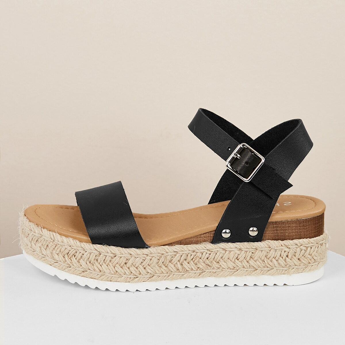 Однорядные сандалии на танкетке