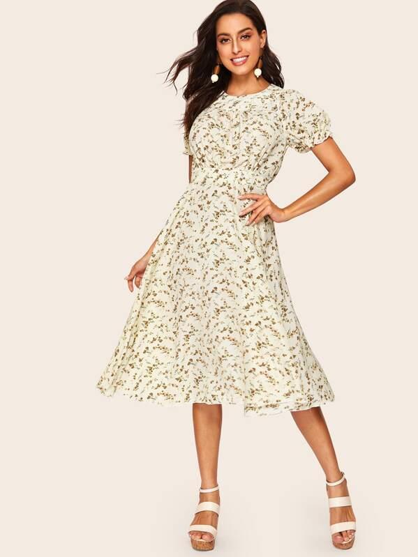 1350530bae1c 60s Bishop Sleeve Ditsy Floral Print Dress | SHEIN UK