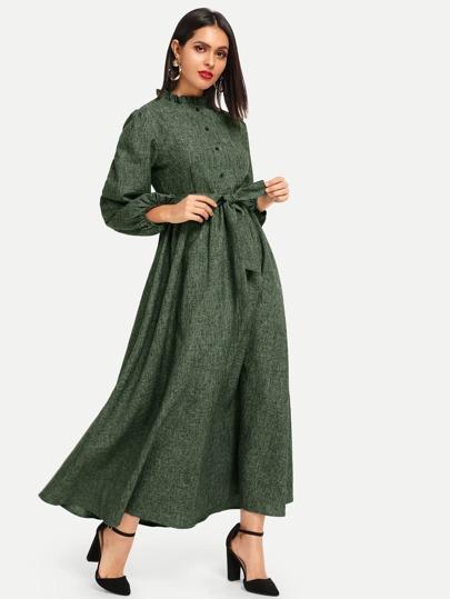 e969cc0140023 فستان حجاب بأزرار أمامية مقلم بكشكش مع أكمام فانوس