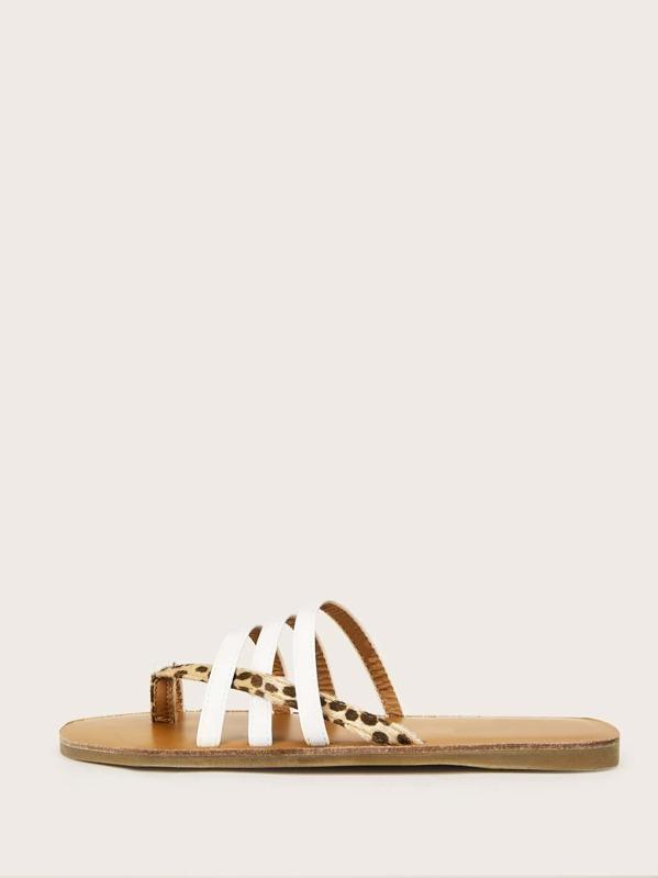 21135a1ce999 Leopard Pattern Toe Ring Flat Slippers | SHEIN UK