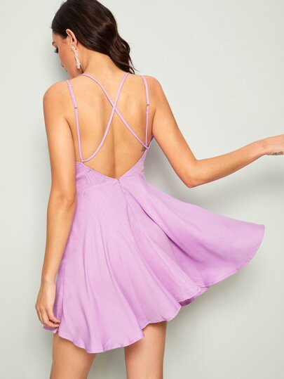 7ee68083d فستان صيفي واسع من الاسفل ملائم وبدون ظهر متقاطع
