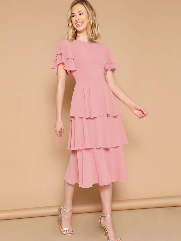 9b80e4f83 فستان واسع من الاسفل ملائم بحافة وكفة مكشكش بطبقات | شي إن