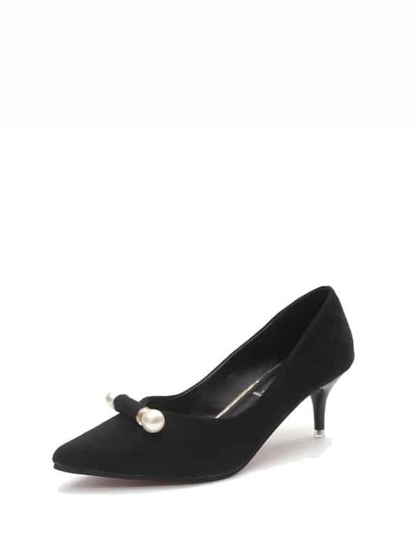 d0bc9d2b8e3d5 حذاء بكعب من جلد الغزال مدبب