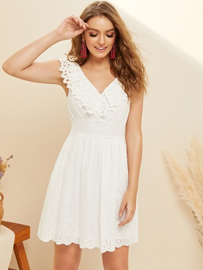 aee1d11b7380d Robe sans manches avec broderie anglaise
