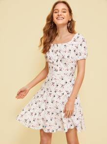 Ditsy Floral Print Square Neck Dress