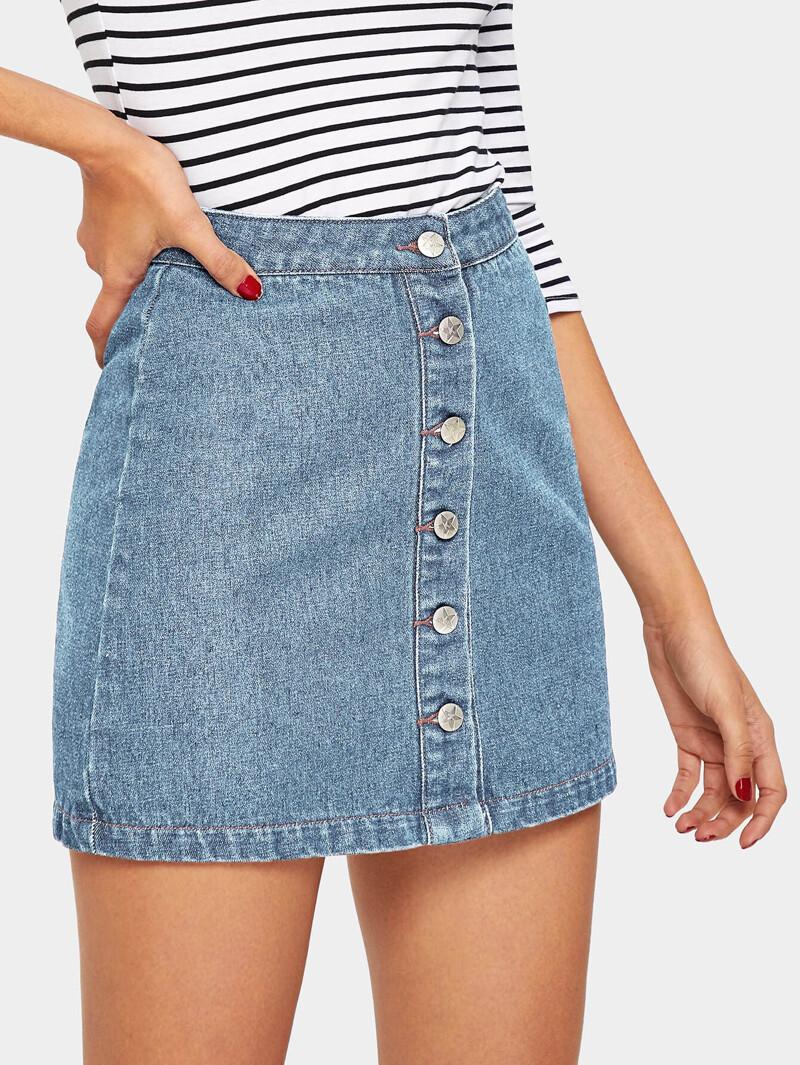b5a96ca0f32a2c Jupe en jean délavé avec boutons