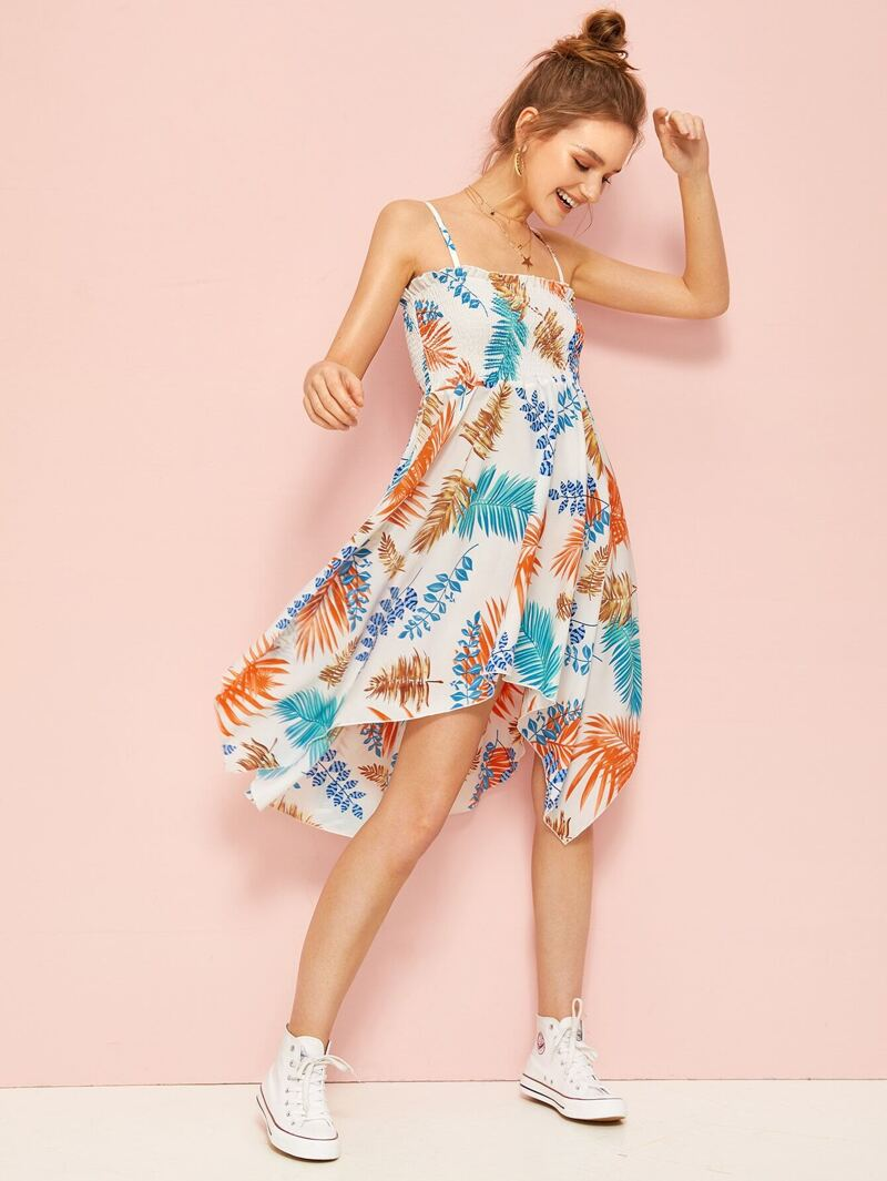 1415ce3c1 Vestido de tirante bajo asimétrico con estampado tropical