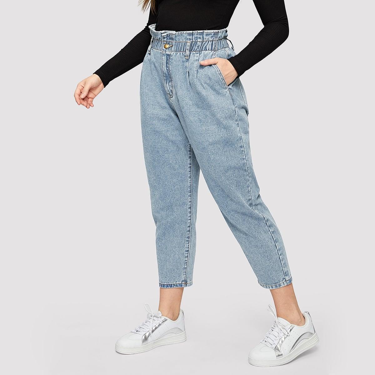 Короткие джинсы с оборками размера плюс