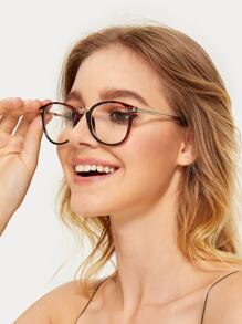Metal Detail Tortoiseshell Frame Glasses