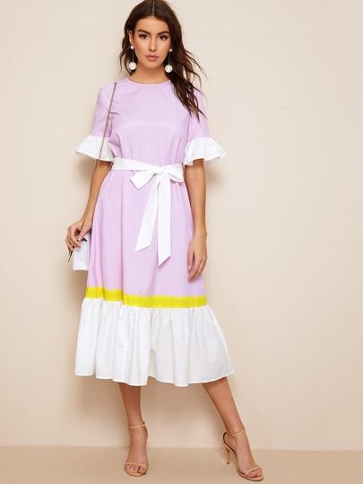 4c5655122202a فستان مخطط بحزام وبألوان متجانسة مقلم ومكشكش