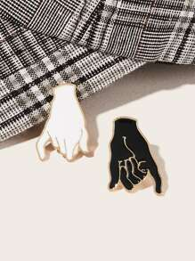 Hand Shaped Brooch Set 2pcs