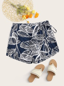 Plus Leaf Print Shorts