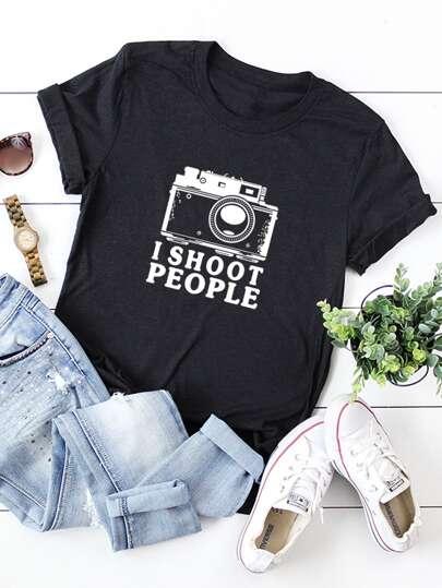 d756027bf Camiseta con estampado de letra y cámara