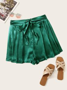Plus Solid Tie Front Satin Shorts