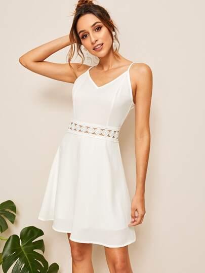 98708ca0c8766 Robe à fines brides unicolore avec pièce en crochet