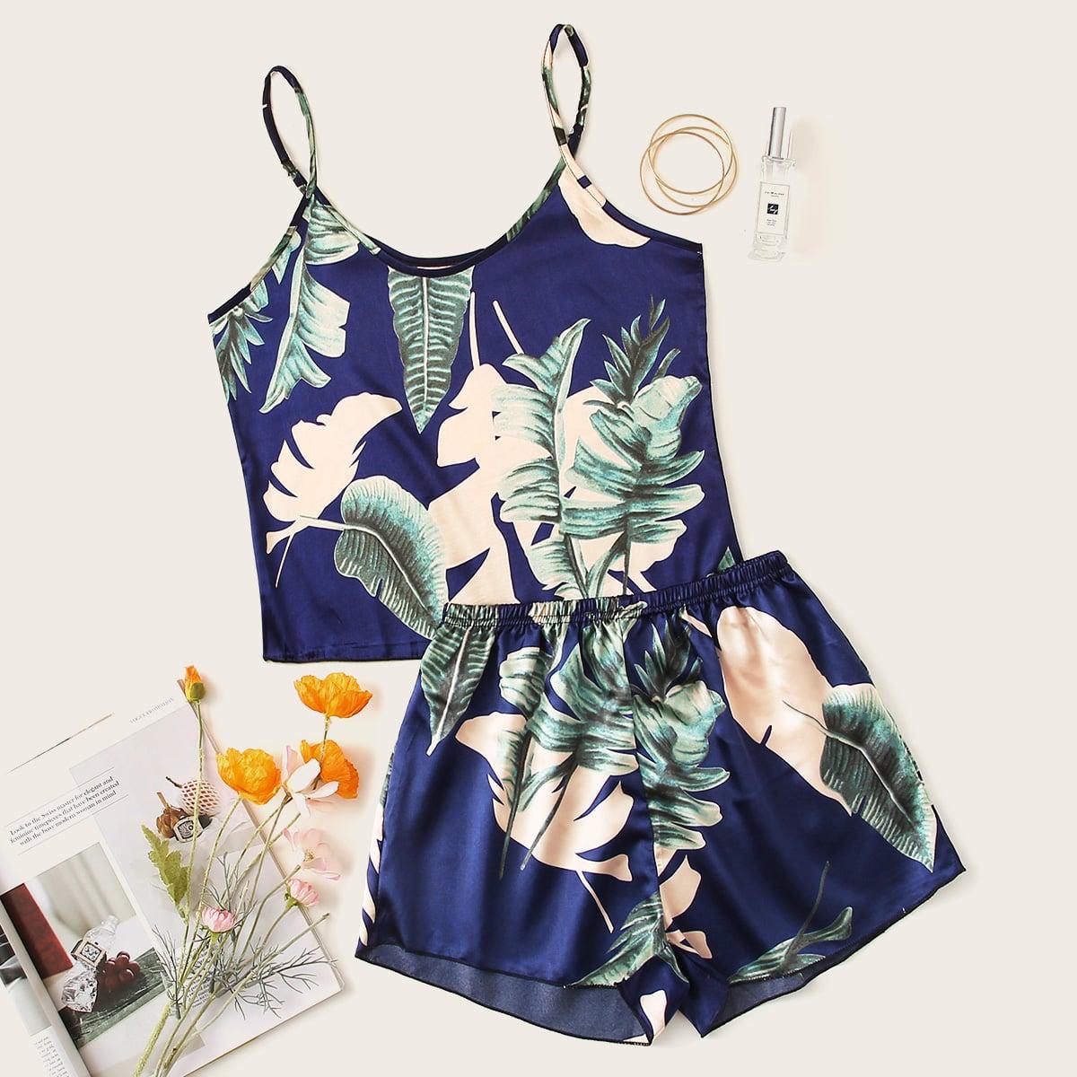 Атласная пижама на бретелях с тропическим принтом