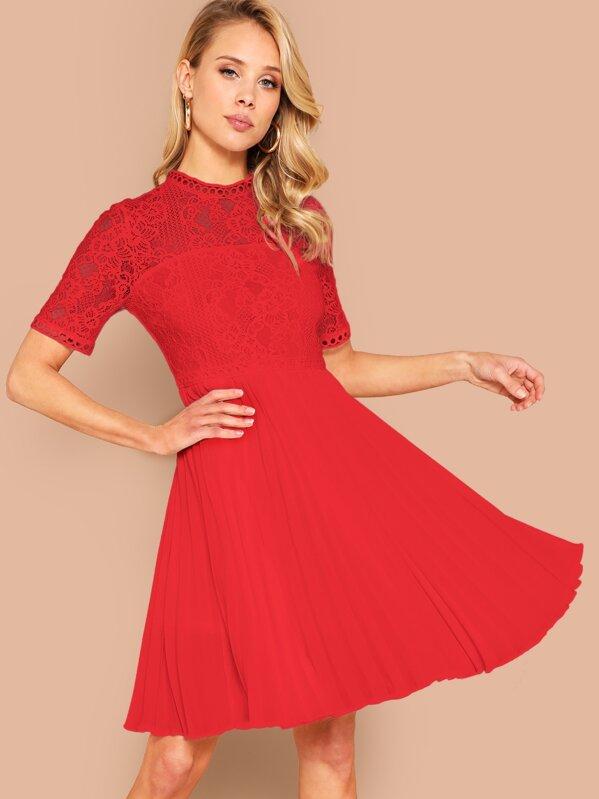 fd3e52c559 Lace Insert Pleated Hem Fit & Flare Dress | SHEIN