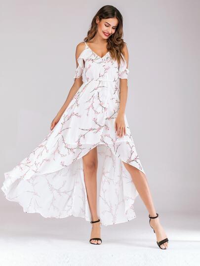 2fcf4240a04 Cami Kleid mit Muster und Schößchen