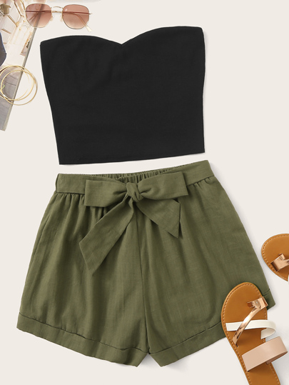 Set top monocolore e Shorts con cinture