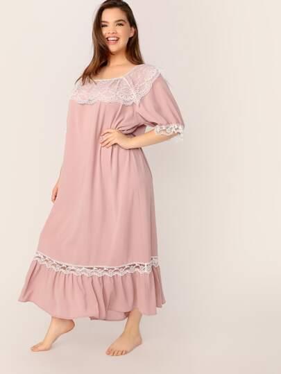39c05e216f74a فستان ليلي مقاس كبير بدانتيل متباين مع حافة مكشكشة