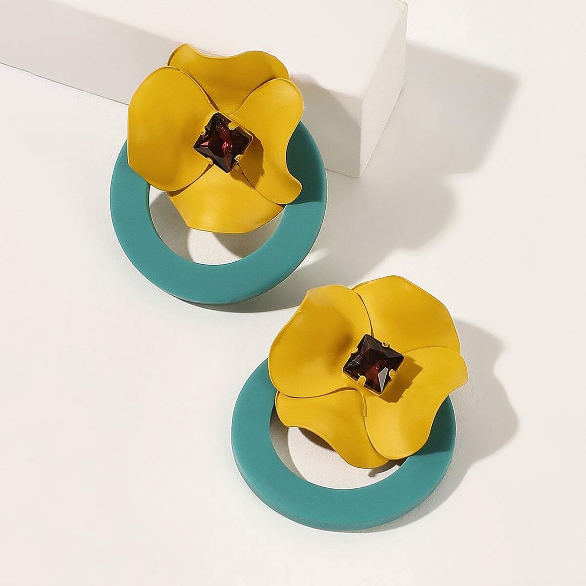 Серьги-гвоздики с цветами 1 пара