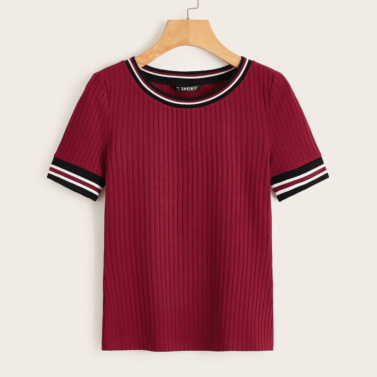 Трикотажная футболка с полосками