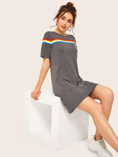 2008d2653 Vestido estilo camiseta con cinta de rayas de arcoíris