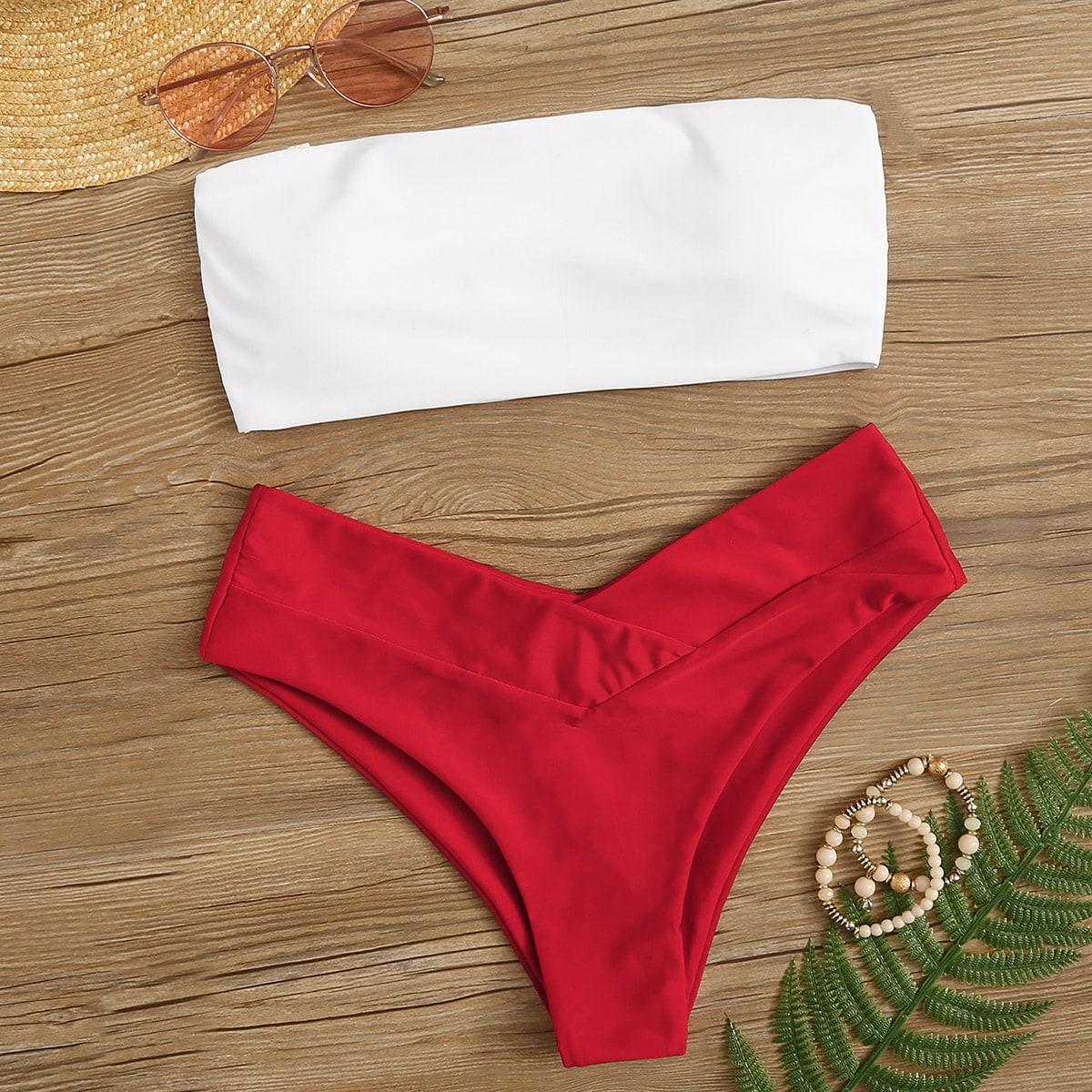 Top und Bikini Set mit hohem Beinschnitt