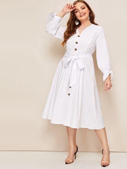 e172a10ba99a2 فستان بحزام وبكفة معقود مقاس كبير مع عنق على شكل V