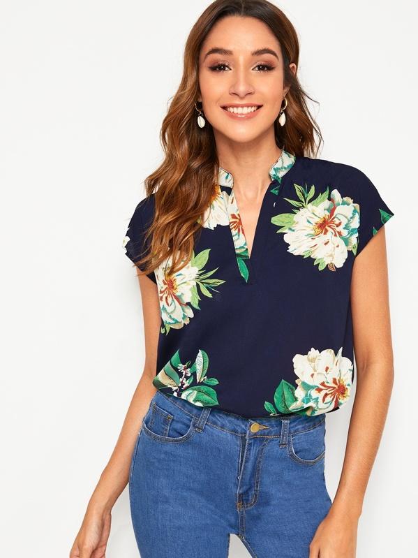 3b734b93a37 Floral Print V-cut Neck Dip Hem Top