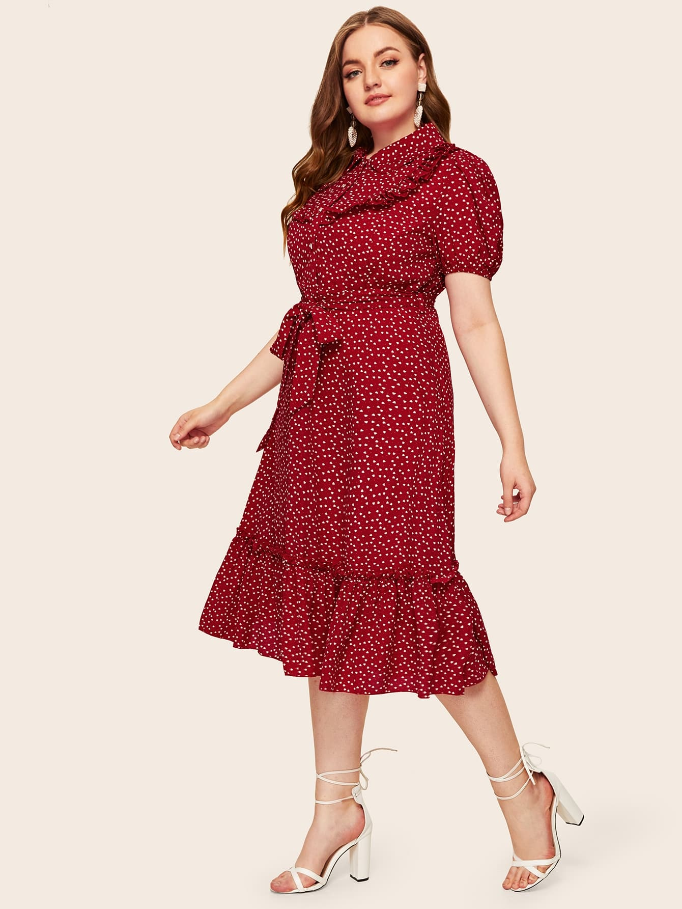 Übergroßes Kleid mit Tupfen Muster, ausgestelltem Saum und ...
