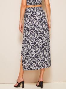 92007858c Ditsy Floral Print Slit Hem Straight Skirt | SHEIN