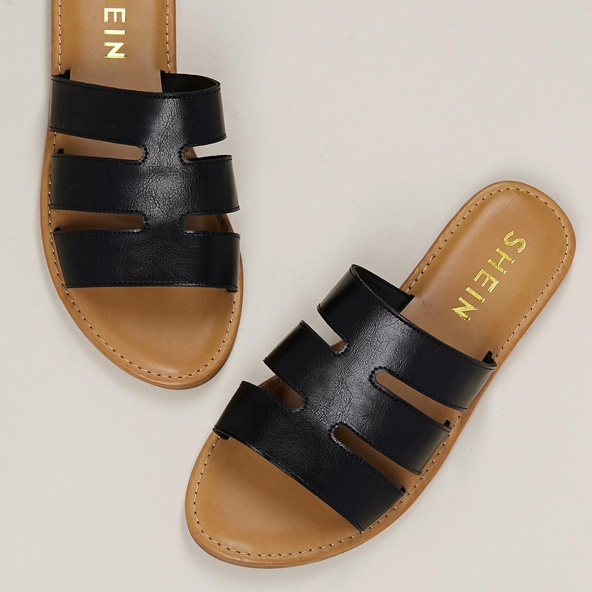 Плоские сандалии с тройными ремешками