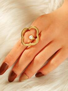 Clover Shaped Spiral Ring 1pc