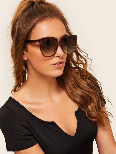 430d6c98e72 Tortoiseshell Pattern Flat Lens Sunglasses