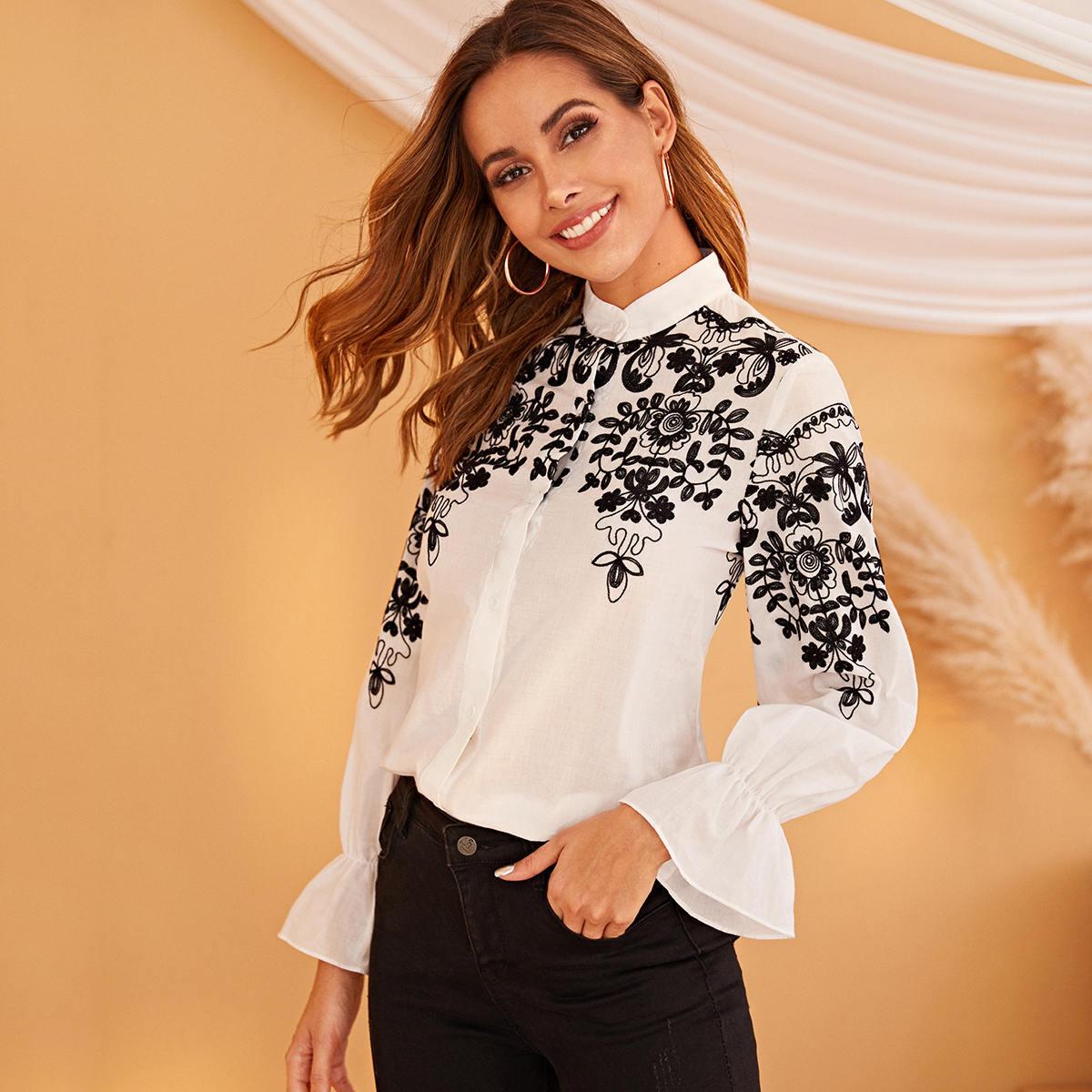 Рубашка с воротником-стойкой и вышивкой
