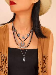 Textured Rhombus & Disc Pendant Layered Necklace 1pc