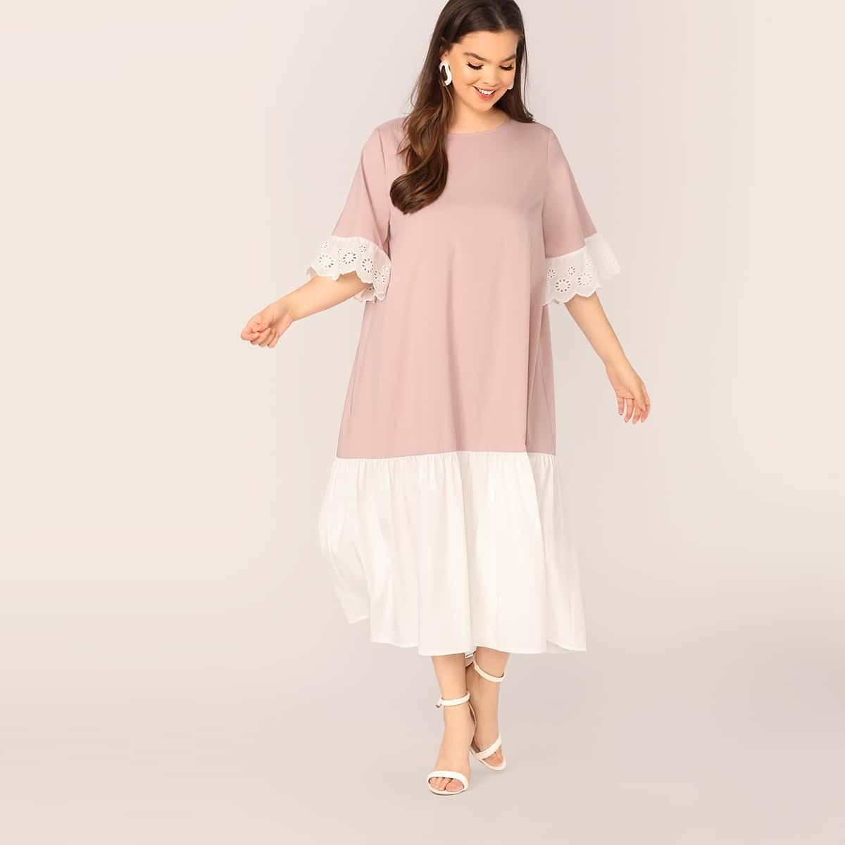 Двухцветное платье размера плюс