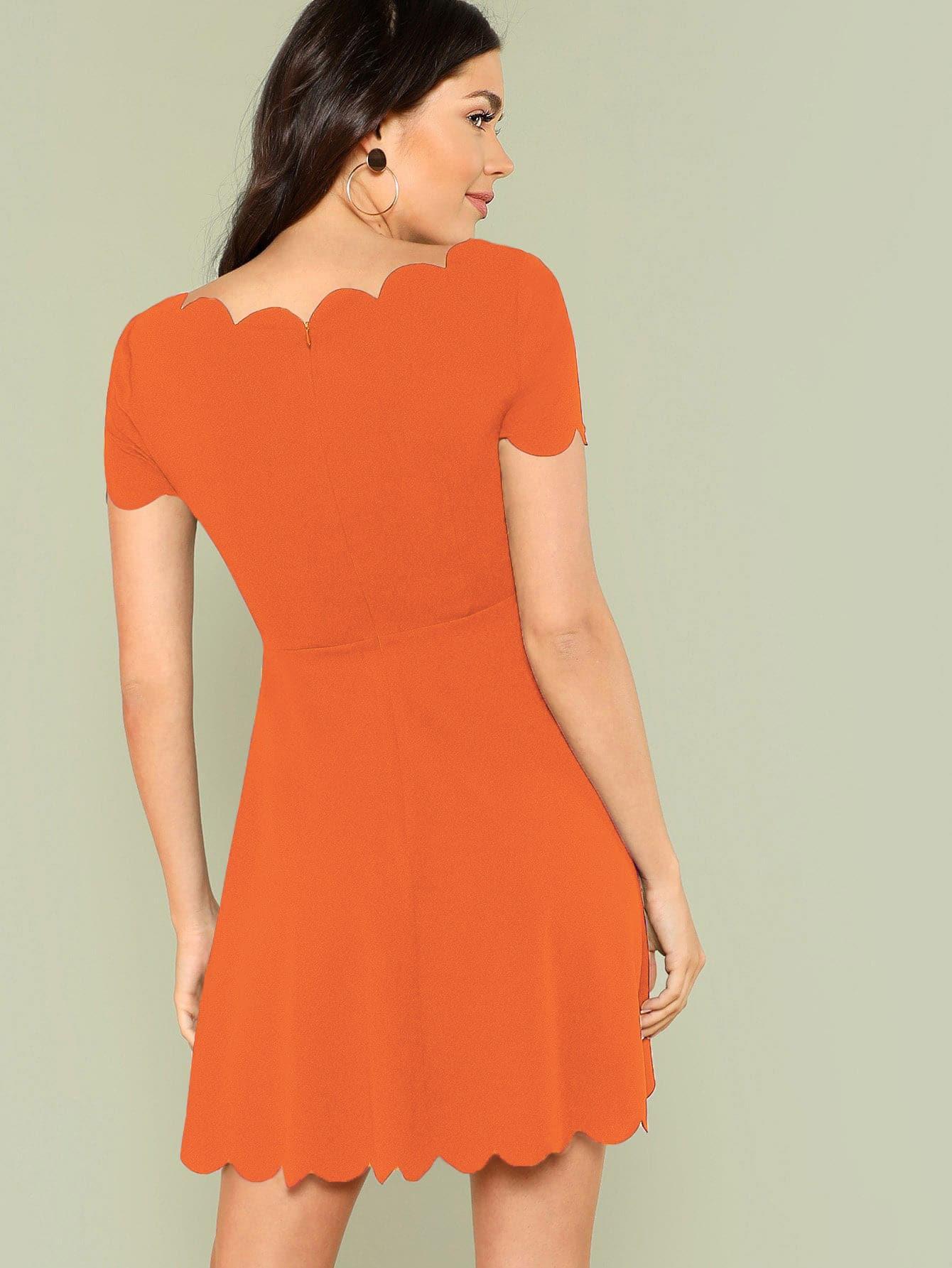 Ausgestelltes Kleid mit Bogenkante in Neon Orange   SHEIN