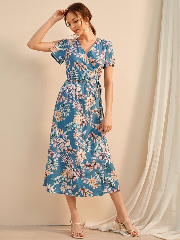 3b4b43092818 Floral Print Self Tie Wrap Dress | SHEIN UK