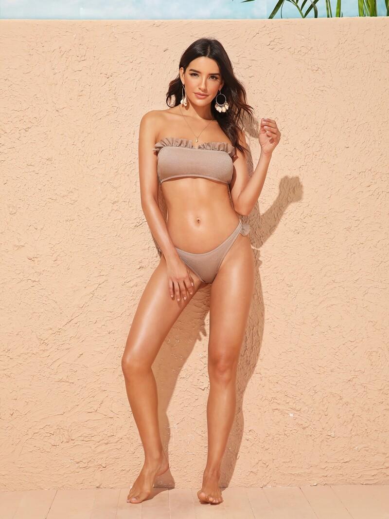 024da04aabe6 Bikini bandeau con ribete de fruncido con diseño brillante cortado alto