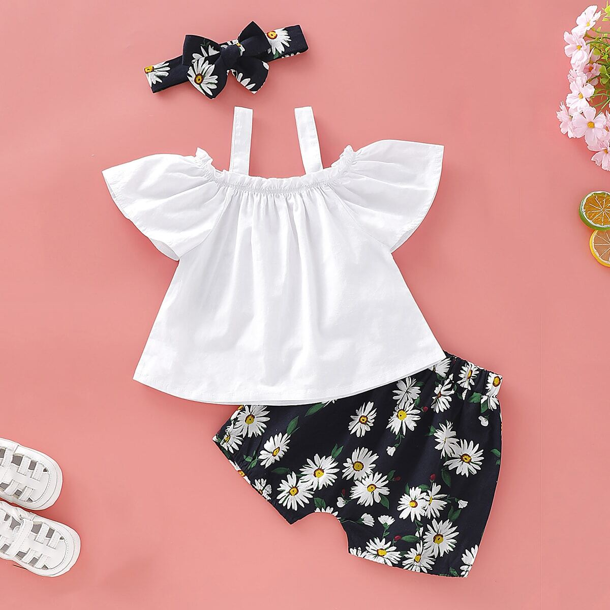 Майка, шорты с цветочным принтом и повязка для девочек