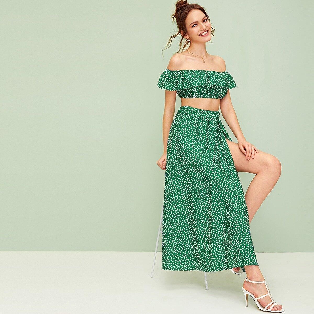 Топ с открытым плечом, цветочным принтом и юбка с разрезом