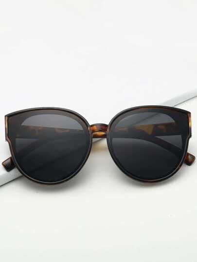 b93acb617 نظارات شمسية نمط عين القط واطار نمط عظم السلحفاة